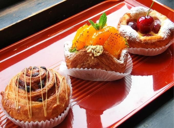 作っているケーキの写真1